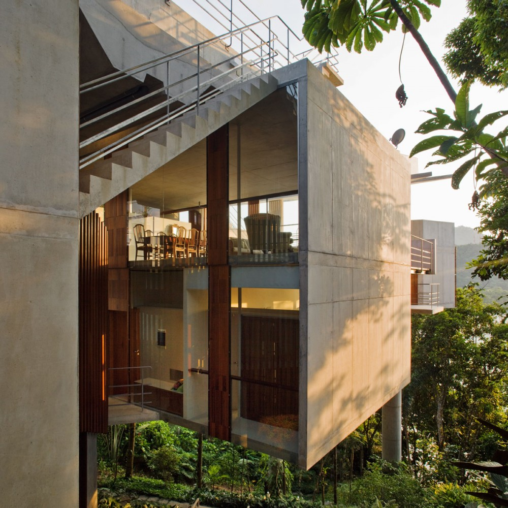 House in Ubatuba / SPBR Arquitetos