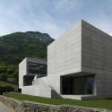 Concrete - House in Lumino - Davide Macullo Architects © Enrico Cano, Como