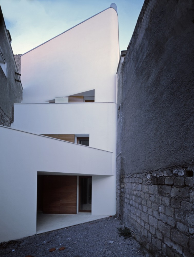 Two Houses in Orsara / Raimondo Guidacci