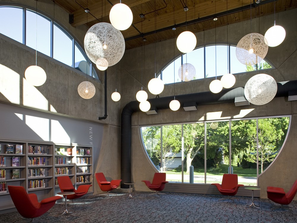 The Poplar Creek Public Library / Frye Gillan Molinaro Architects