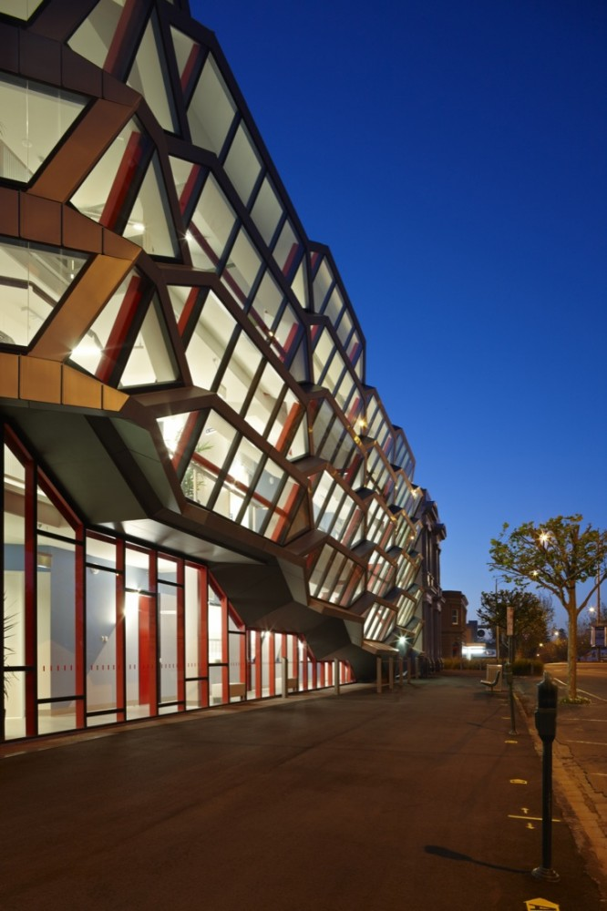 Warrnambool Campus / Lyons
