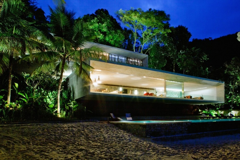 Paraty House / Marcio Kogan