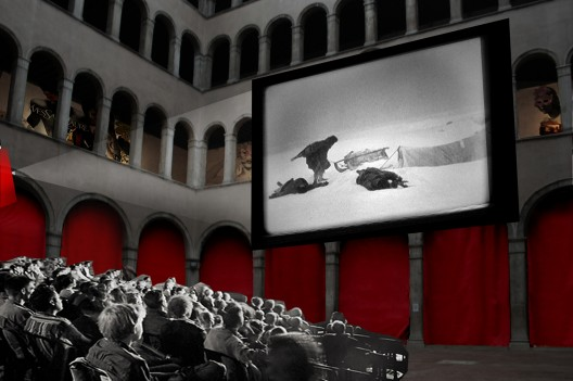 Proposal, courtyard as cinema, il Fondaco dei Tedeschi, Venice, Italy. © OMA