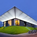 Sports Pavilion - MoederscheimMoonen Architects © Rob 't Hart