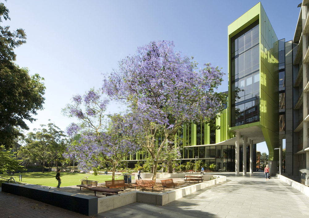 Lowy Cancer Research Centre / Lahznimmo Architects + Wilsons Architects