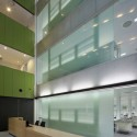 Lowy Cancer Research Centre - Lahznimmo Architects © Brett Boardman