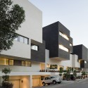 Black & White House - AGi Architects © Nelson Garrido