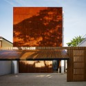 Corten House - Marcio Kogan  Nelson Kon
