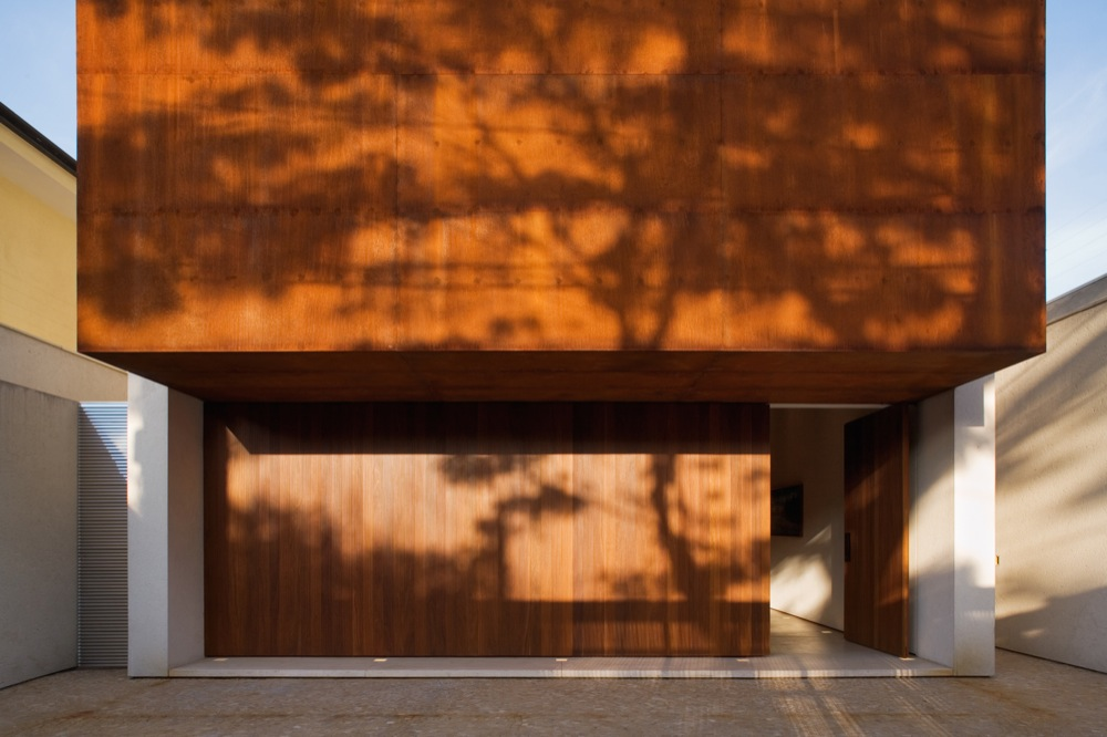 Corten House / Marcio Kogan