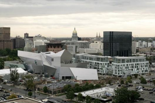 Cladiri importante 1285955732-aerial-view-of-museum-and-museum-residencescbitterbredt-528x351