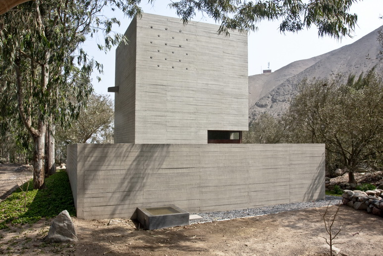 De la Piedra Chapel / Nomena Arquitectos + Ximena Alvarez
