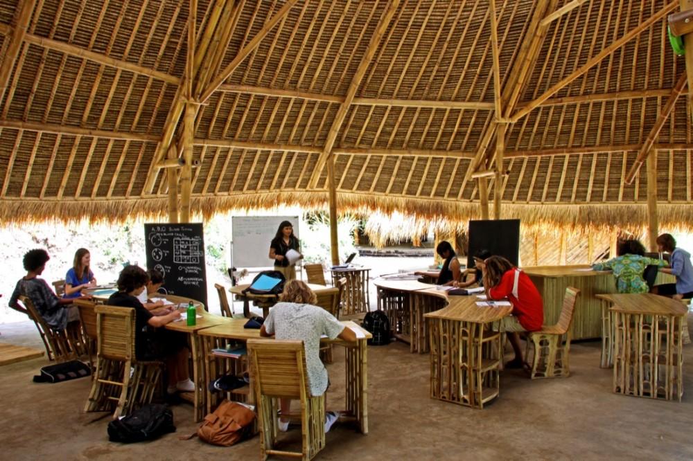The Green School - PT Bambu © PT Bambu