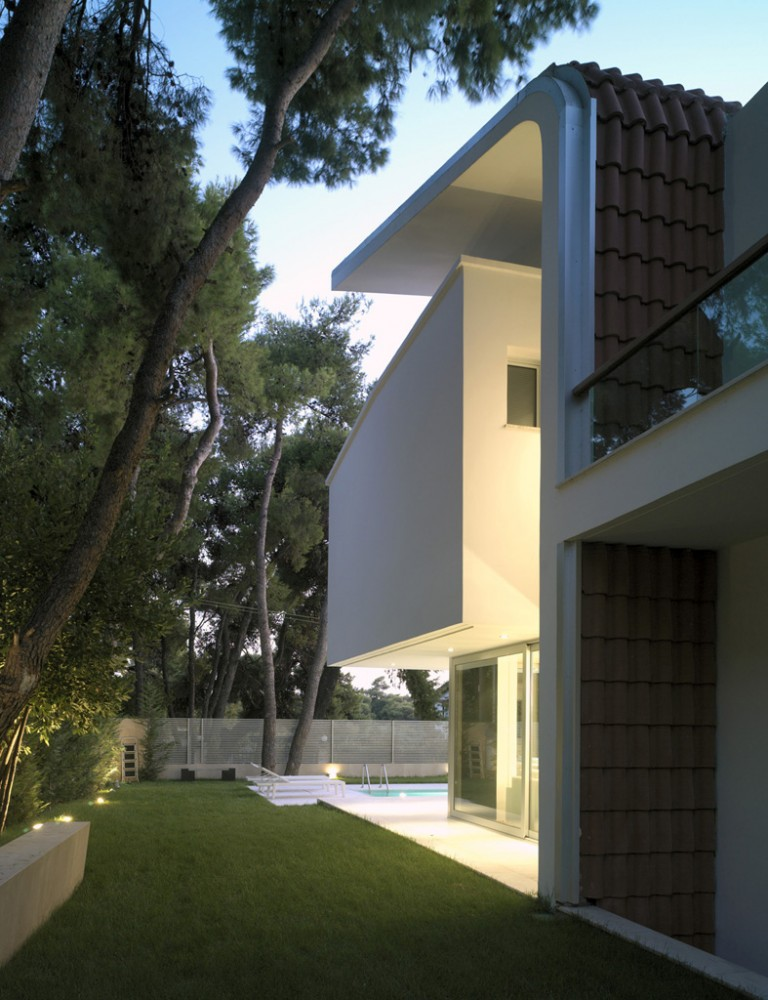 House In Ekali / Architect Thanos Athanasopoulos