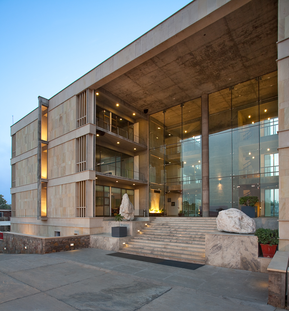 Architecture photography wolkem office building vir for Modern small office building design
