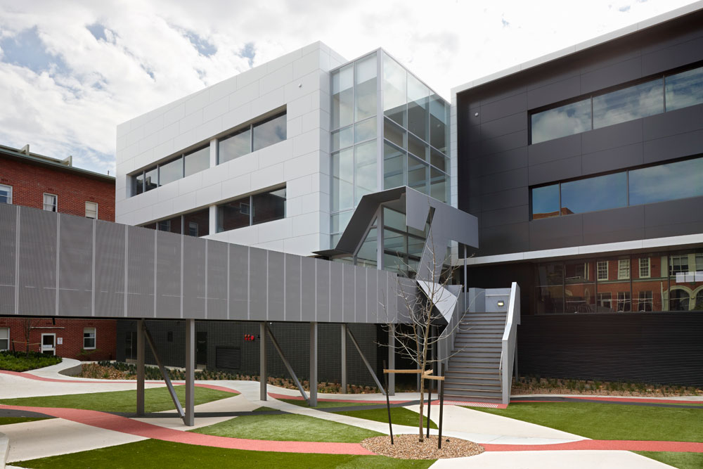 Barwon Health Teaching Training &#038; Research Centre / Billard Leece Partnership