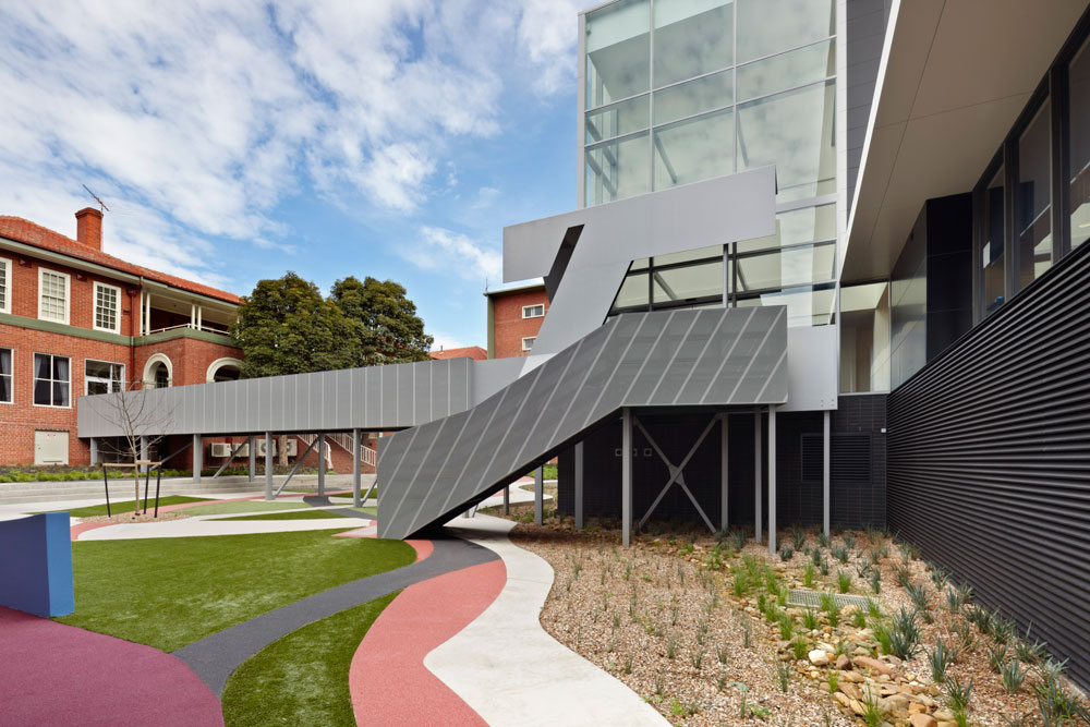 Barwon Health Teaching Training & Research Centre / Billard Leece Partnership