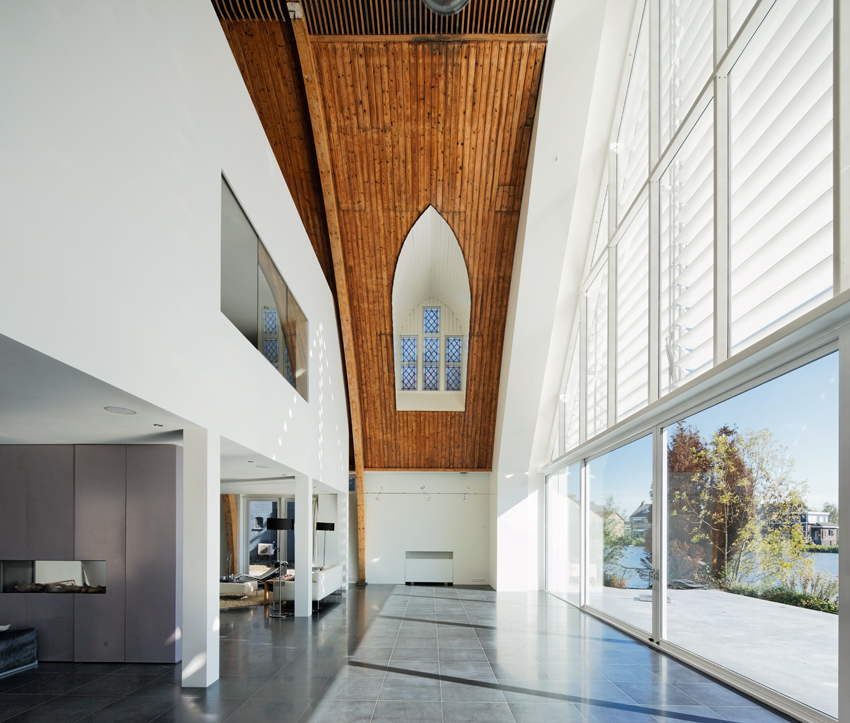House In A Church / Ruud Visser Architects