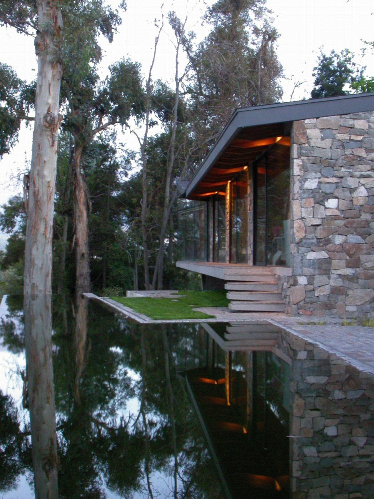 House in Lo Curro / Schmidt Arquitectos Asociados