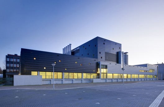 Ad round up industrial architecture part iv archdaily for Lab architects