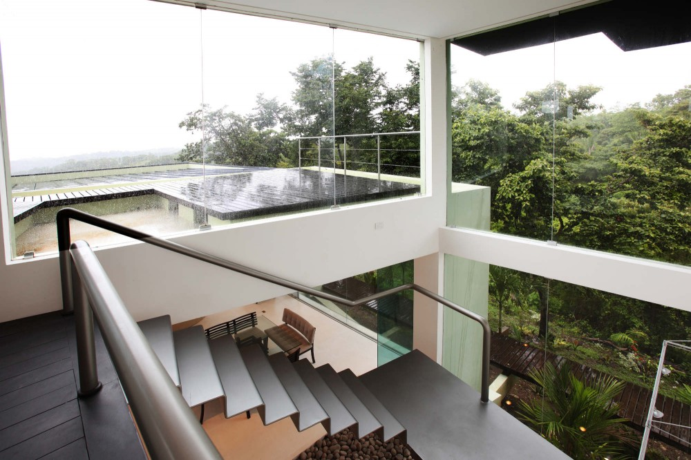 Triangulo House / Ecostudio Architects