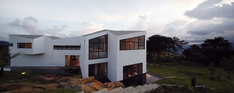 House on the Slope / Paisajes Emergentes