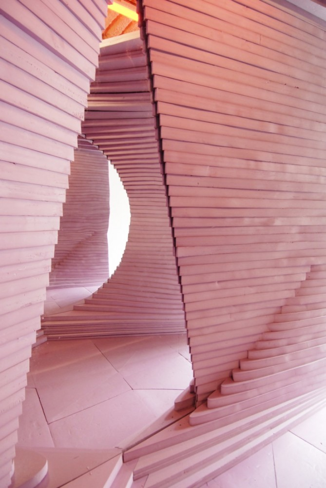 Turning Pink / Leong Leong Architecture