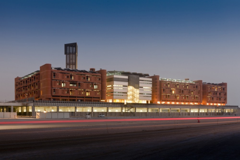 Masdar Institute / Foster + Partners