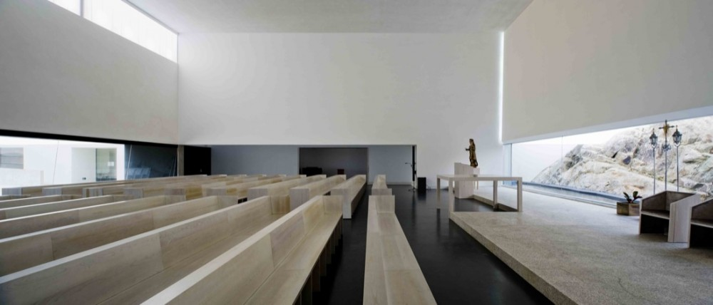 St. Antonios Church &#038; St. Bartolomeu Social Center / JLCG Arquitectos