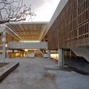 Public School In Votorantin / grupoSP  grupoSP, Carlos Kipnis