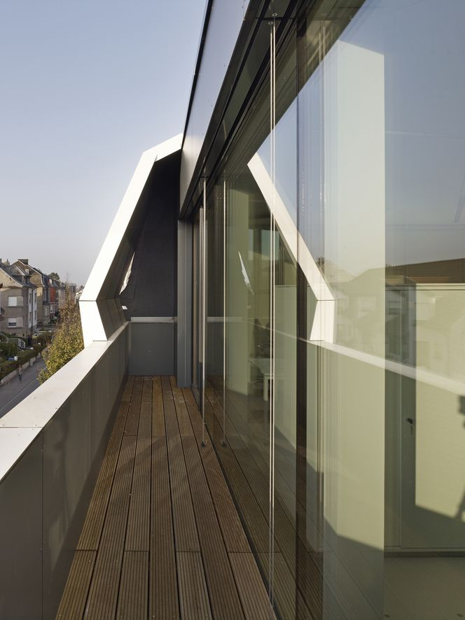 Roof Top Office Dudelange / dagli + atélier d'architecture