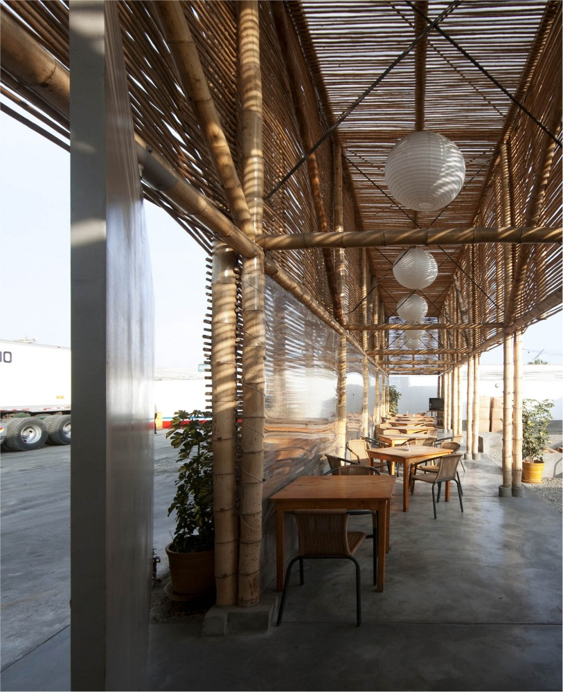 El Camion Restaurant / LLONA + ZAMORA Arquitectos + Fernando Mosquera