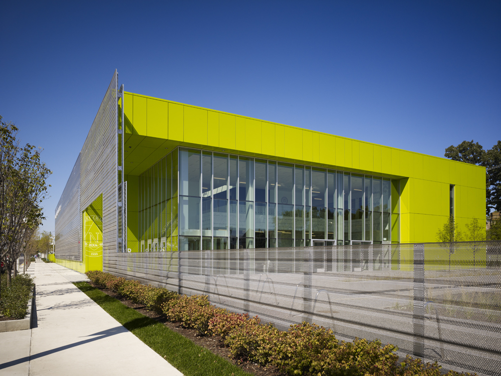 Gary Comer College Prep / John Ronan Architects