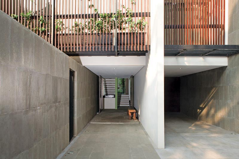 Split Level House / Indra Tata Adilaras