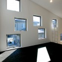 House of Sunlight Through Trees / StudioGreenBlue  StudioGreenBlue