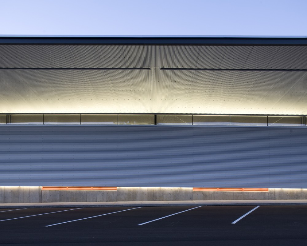 Cox Communications Distribution Center / el dorado