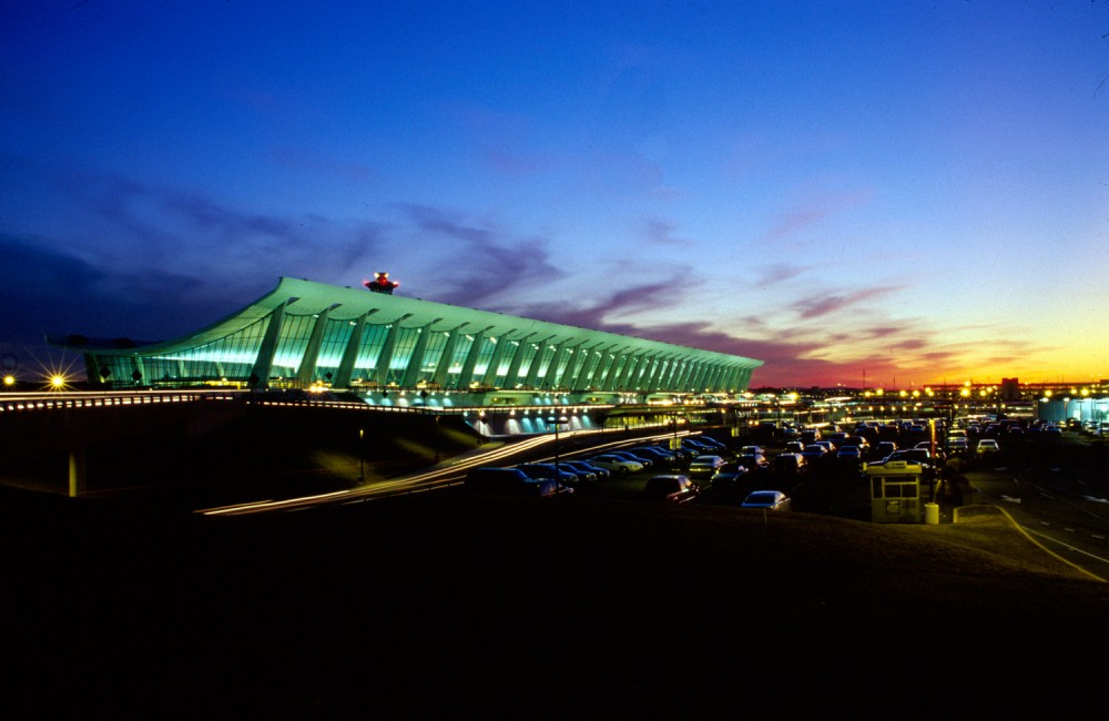 AD Classics: Dulles International Airport / Eero Saarinen
