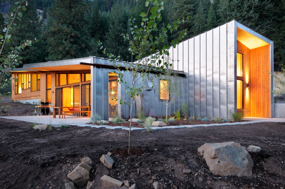 Miner's Refuge /  Johnston Architects