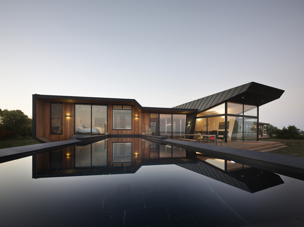 Beached House / BKK Architects