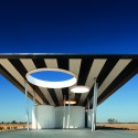 Calder Woodburn Rest Area / BKK Architects  John Gollings