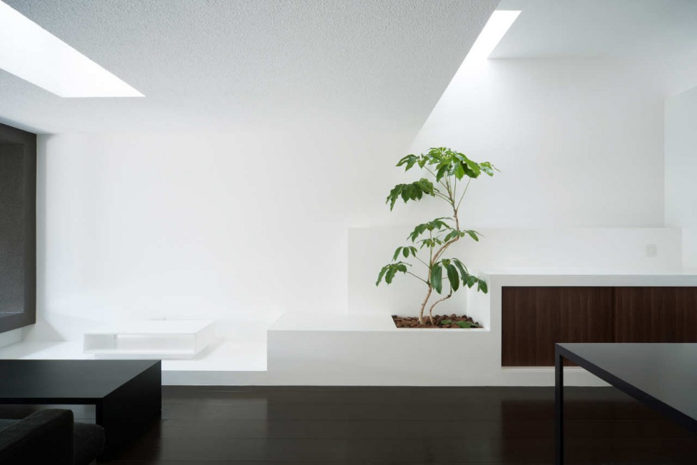 Gable House / FORM | Kouichi Kimura