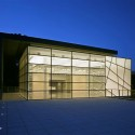 Kupferberg Holocaust Resource Center and Archives  / TEK Architects  Brian Rose Photography