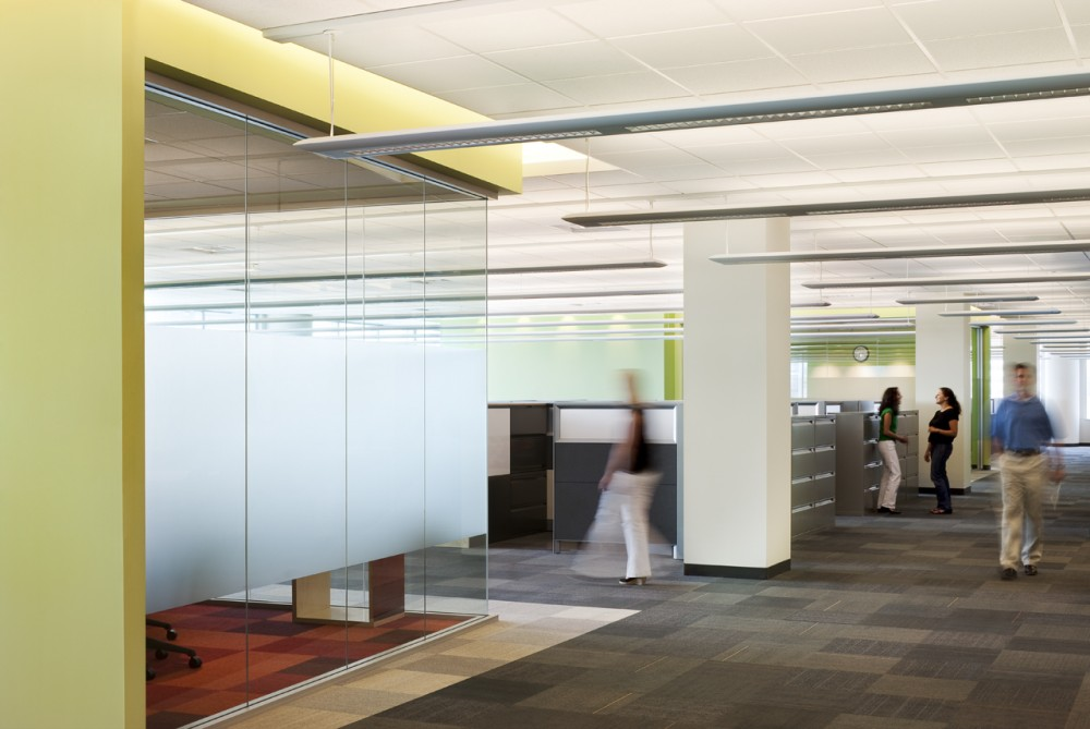 Valspar Corporation Administrative Headquarters / Meyer, Scherer & Rockcastle