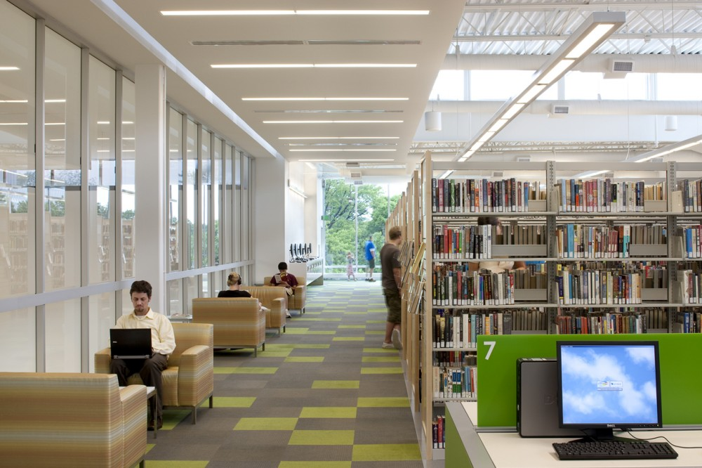 Ramsey County Roseville Library / Meyer, Scherer & Rockcastle