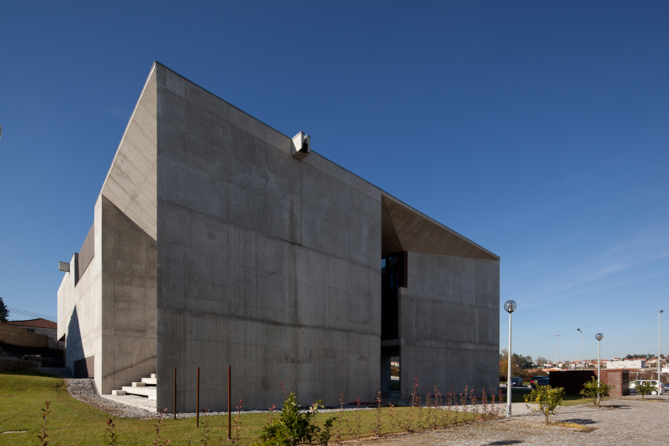 Brufe Social Center / Imago