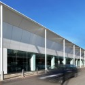 Commercial Building Fratelli Cozzi Auto / Buratti+Battiston Architects © Buratti+Battiston Architects