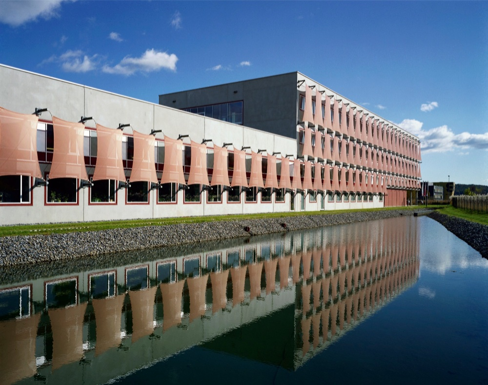 Architecture Photography: New Factory Building / DI Peter