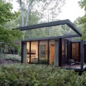 Dutchess County Residence - Guest House / Allied Works Architecture © Dean Kaufmann
