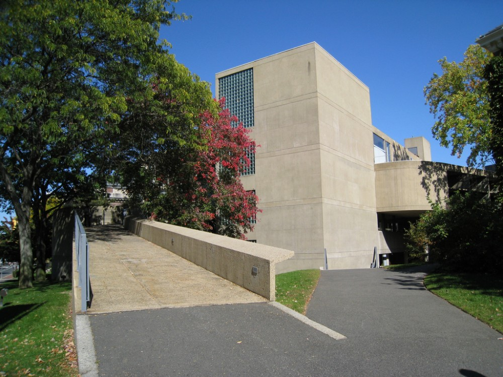 AD Classics: Carpenter Center for the Visual Arts / Le Corbusier