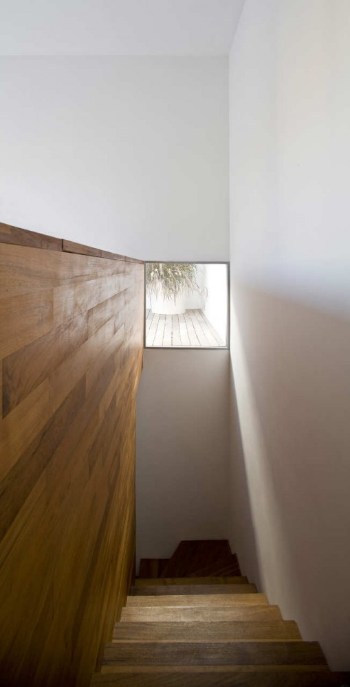 Non Visible House / Paritzki Liani Architects