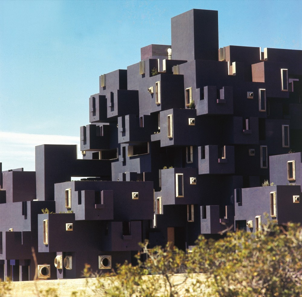 AD Classics: Kafka Castle / Ricardo Bofill